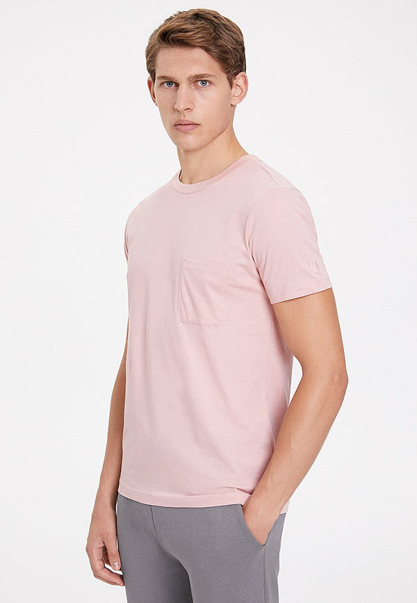 ESSENTIALS TEE W/POCKET in Misty Rose