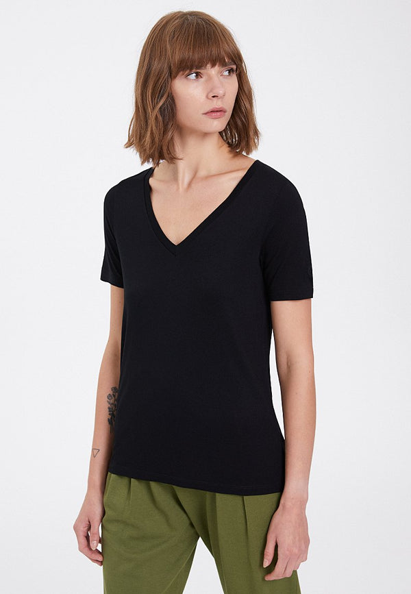 ESSENTIALS DEEP V-NECK TEE in Black