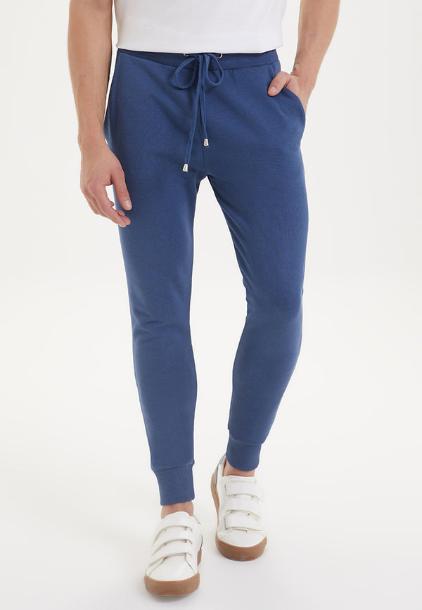ESSENTIALS JOGGER in Dark Denim