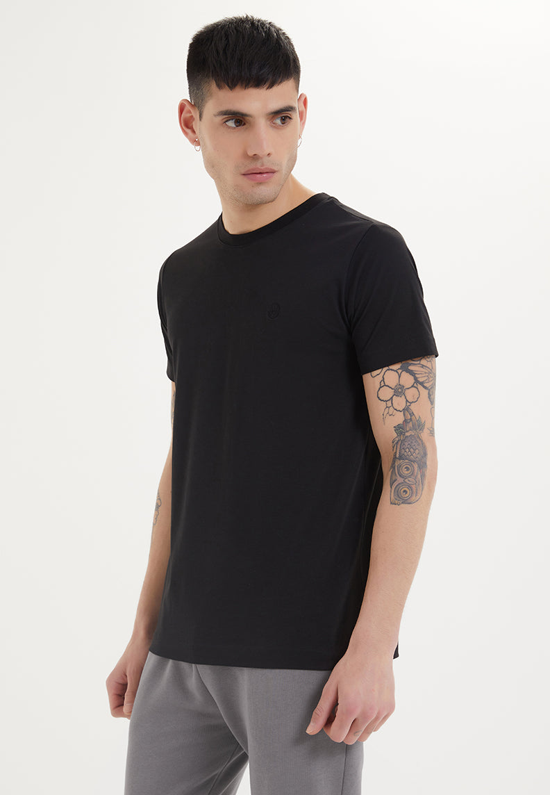 ESSENTIALS O-NECK T-SHIRT in Black