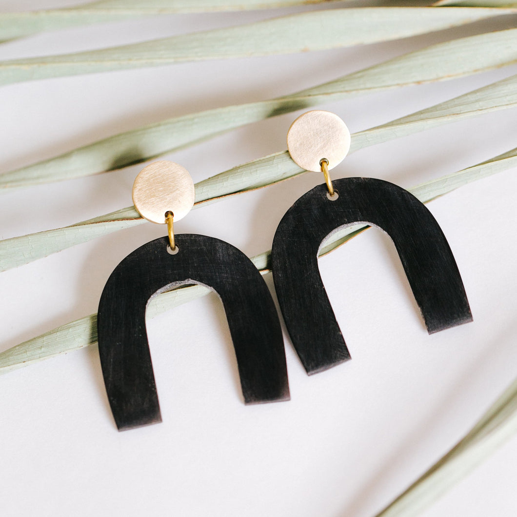 Petite Arch Earrings - Black