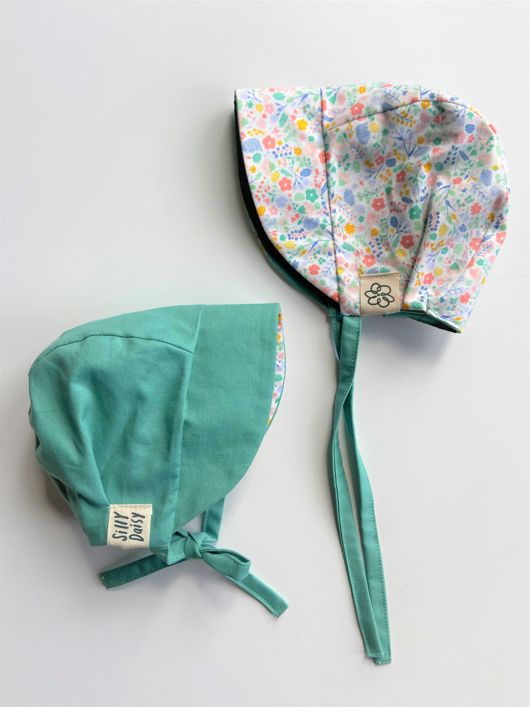 Reversible Sun Bonnet - Sage Flower