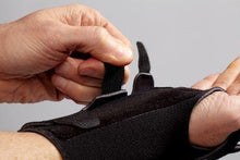 Load image into Gallery viewer, Futuro Reversible Splint Wrist Brace