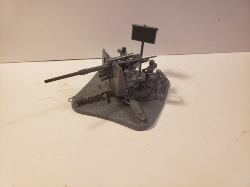 1/72  88 shield on base w/crew