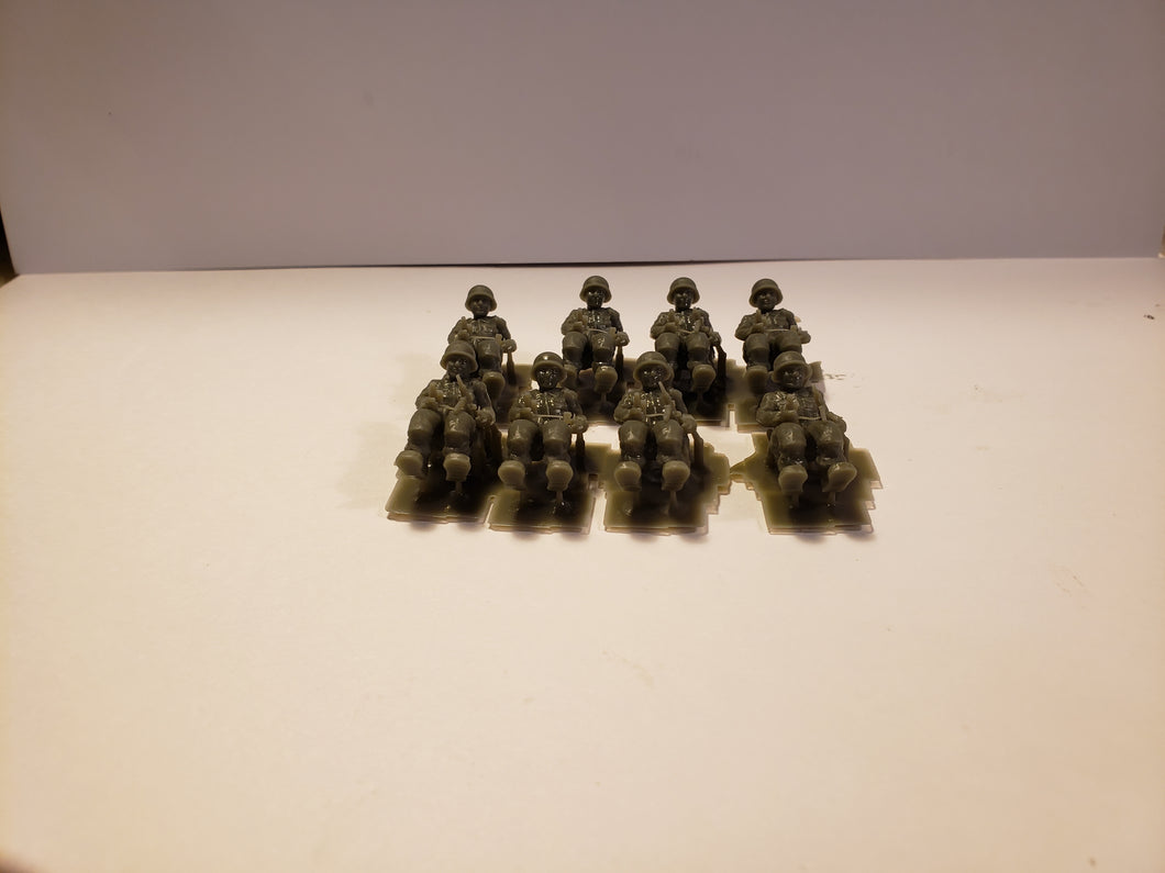 1/144 to 1/48 scale Crew riders GER Scale WWII Model Tank