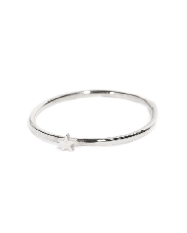 Tiny Star Ring - Silver