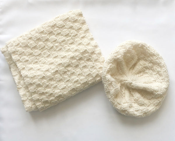 Luxurious Cream hat and scarf set