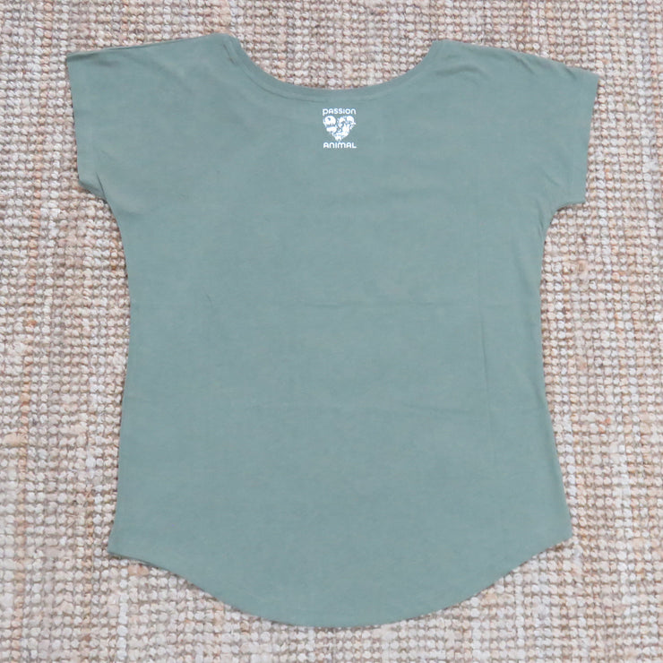 "T-Shirt Loose Fit ""Looks Good"" Cat / Soft Olive"
