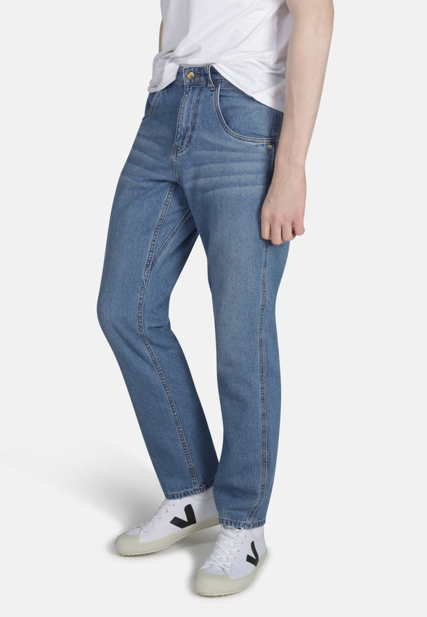 WORKER // Organic Relaxed Straight Leg Jean in Light Wash