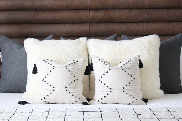 Zig Zag Knots Throw Pillow Cover