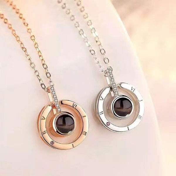2 I Love You Necklace pendants in circle shape