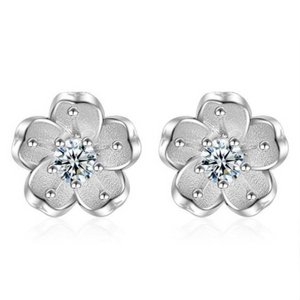 Snowy sakura flower earrings Sterling silver stud earrings for women Cheap earring (main pic)