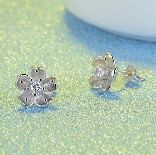Snowy sakura flower earrings Sterling silver stud earrings for women Cheap earring (side view)