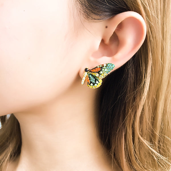 Butterfly earrings Stud earrings for women Cheap earring (model demonstration)