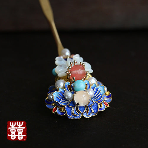 enamel cloisonne blue flowers, with pearls and agate beads