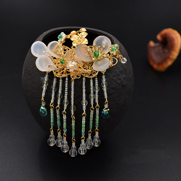 kanzashi hair comb with white agate and beautiful tassels