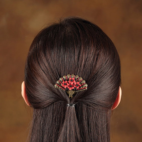 a good decoration for the ponytail hairstyle