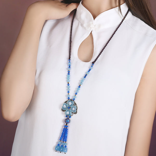 this long necklace goes well with casual wear