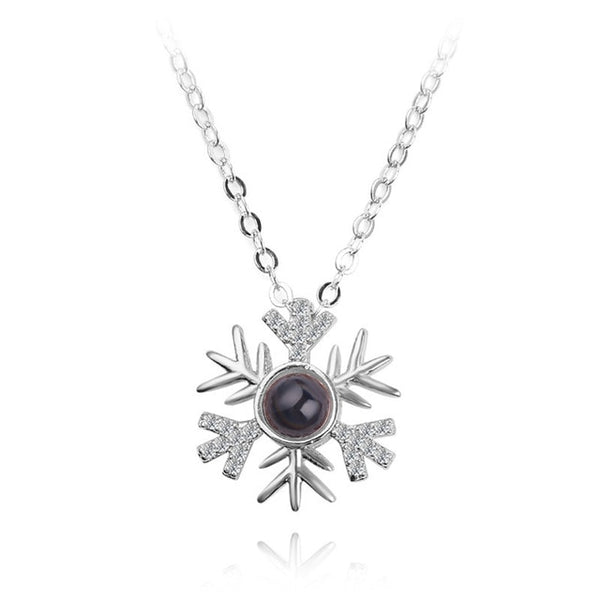 necklace pendant in snow flake shape (silver)