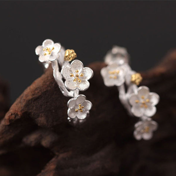Sakura flower earrings Sterling silver stud earrings for women Cheap ear rings (45-degree view)