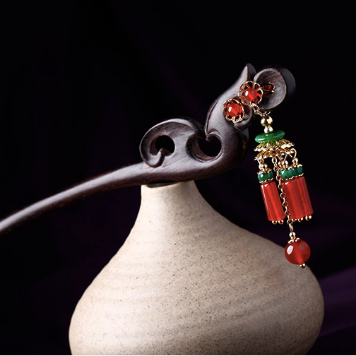 Hair stick made of black sandalwood, with red agate and green jade decorations