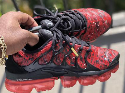 Custom Red and Black Vapormax Plus - Kiaun's Customs