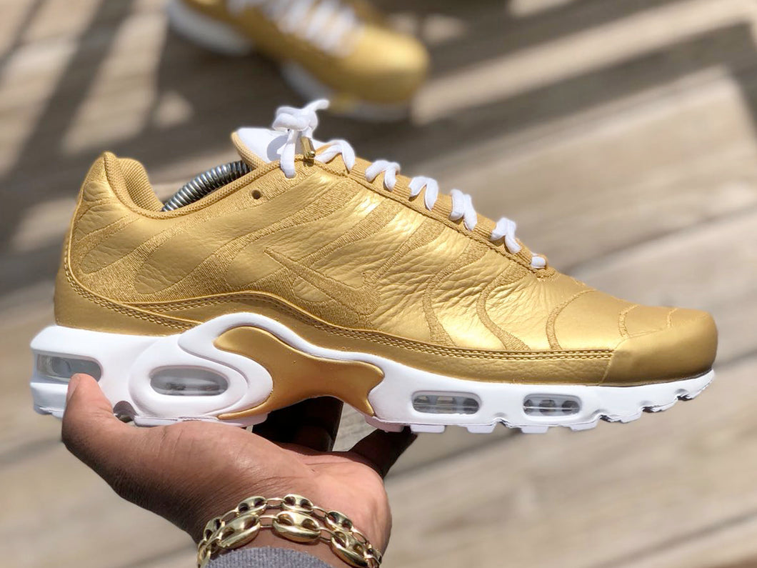 Custom Gold & White Nike Air Max