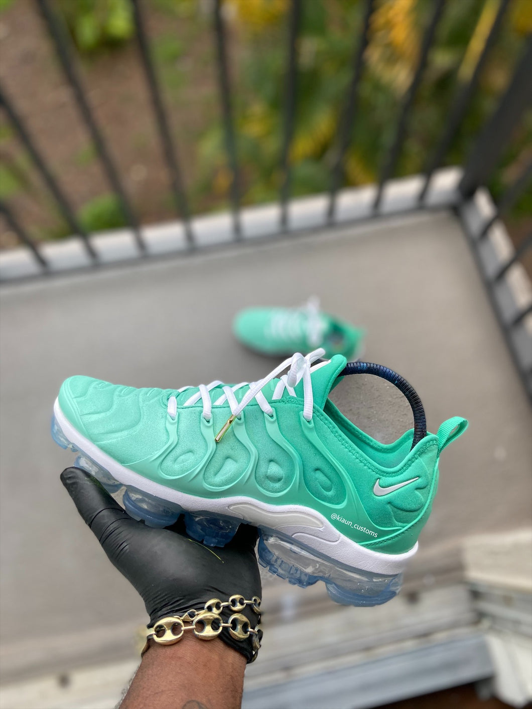 Custom Mint Green Nike Vapormax Plus - Kiaun's Customs