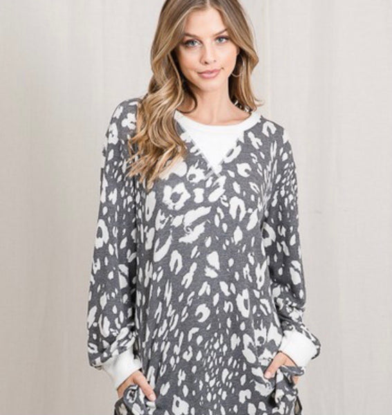 Leopard Long-sleeved Top