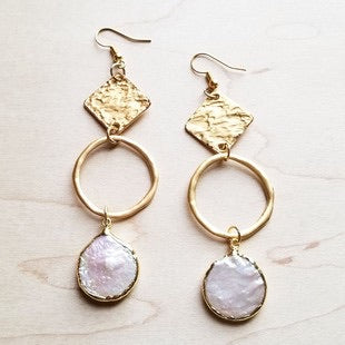 Matted Gold/pearl dangle earrings