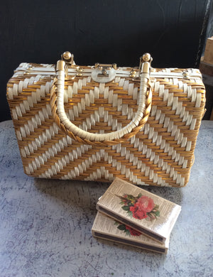 Vintage Basket Weave Purse - Gold & White