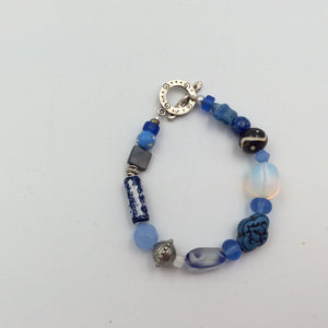 Beaded Bracelet - Artsy Beads Blue Oriental Bead, Glass Star and Clear Infused Stone