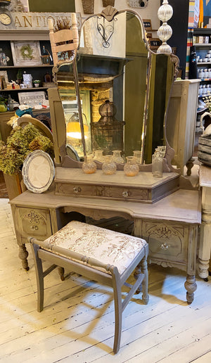 Vanity with Mirror & Bench