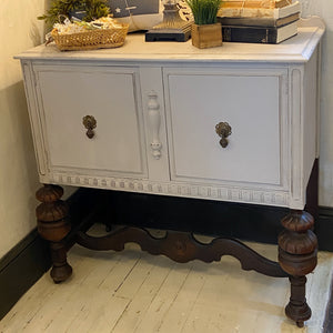 Small Buffet with 2 Doors
