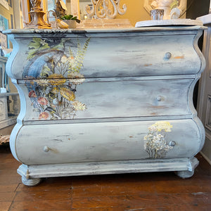 Three Drawer Bombay Dresser
