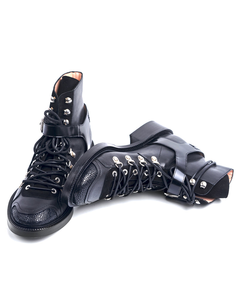 DOUBLE LACES HIKING BOOTS - I N C H 2