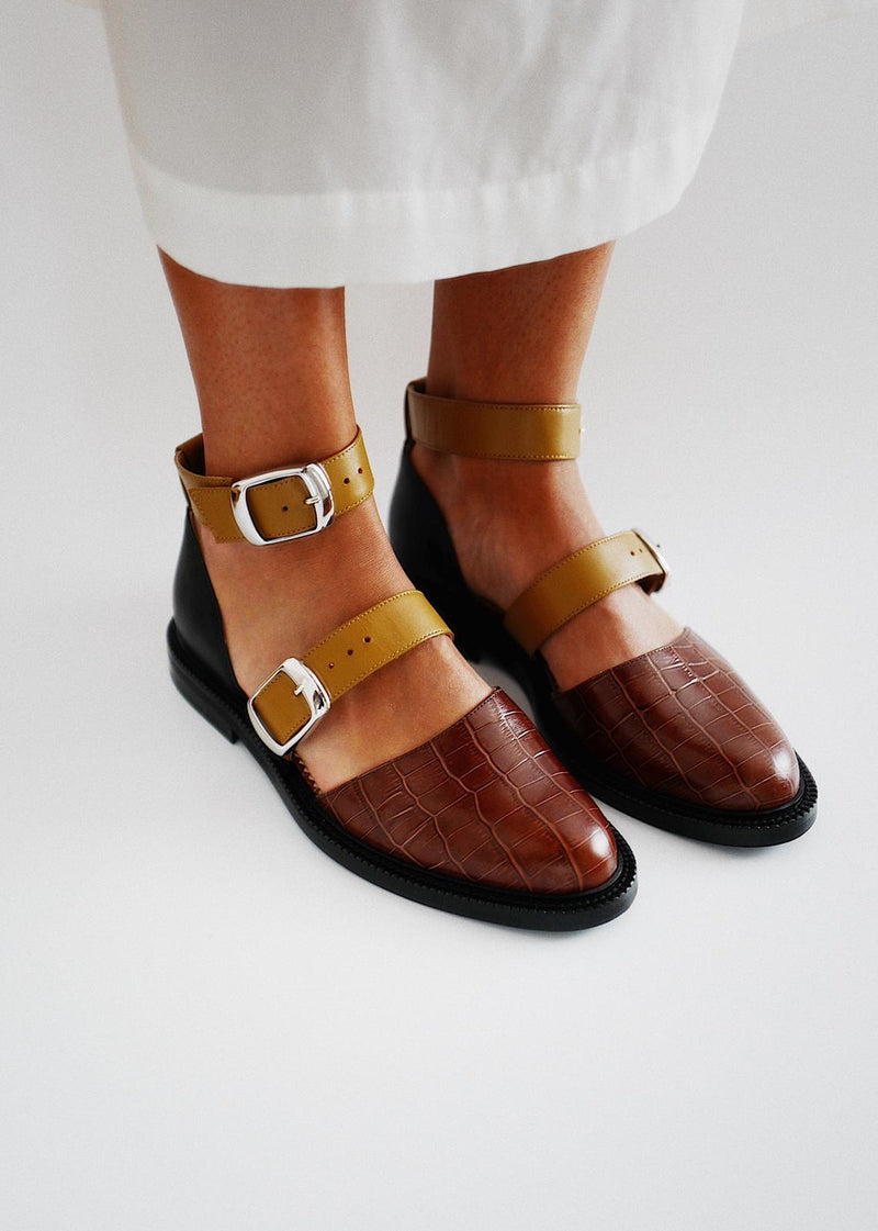 Brown Croco Closed Toe Sandals - I N C H 2