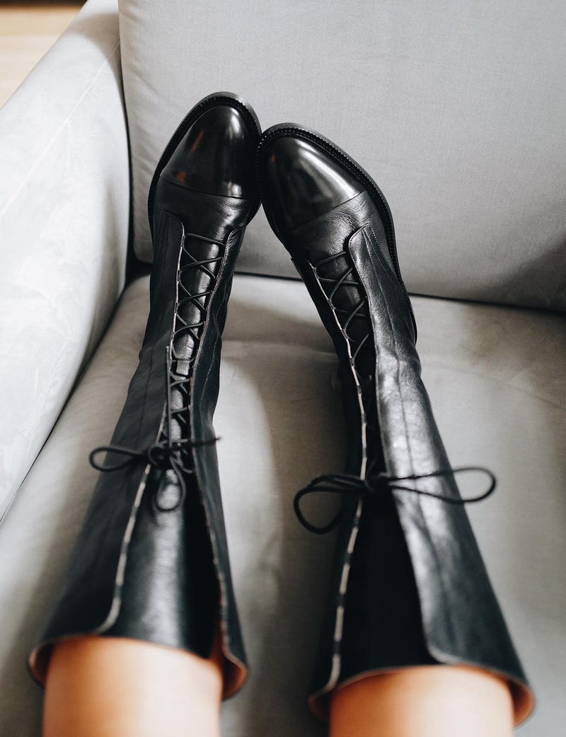 HIGH LEATHER BROGUE BOOTS