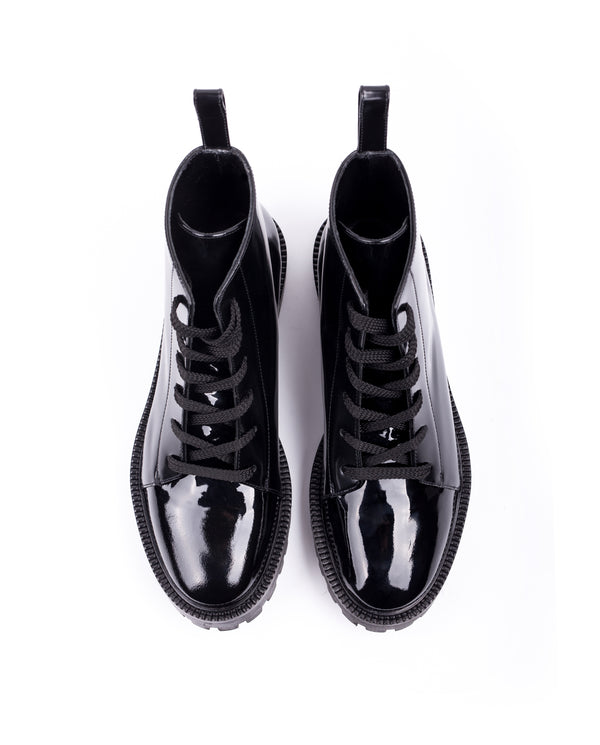 Glossed Leather Lace-up Boots - I N C H 2