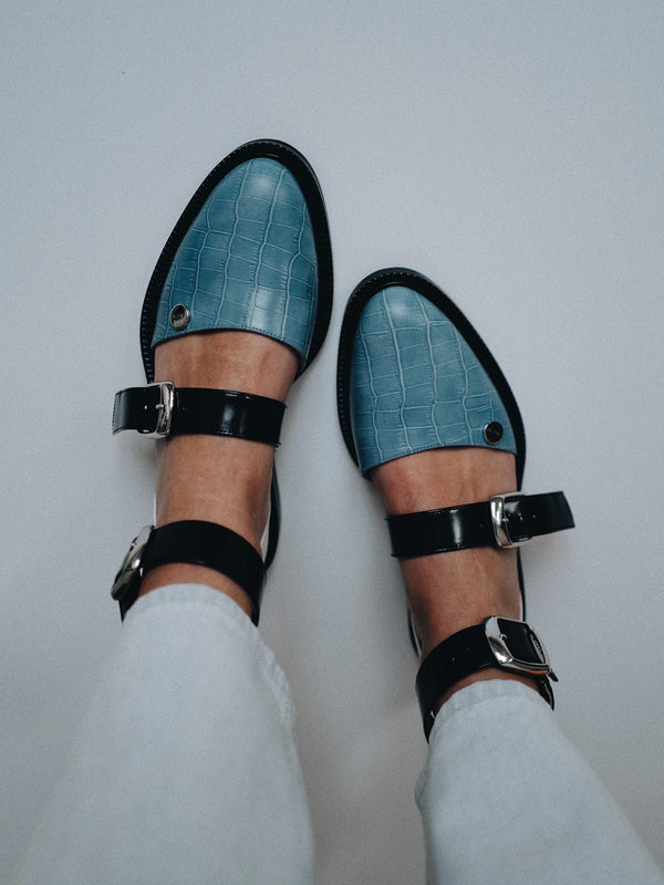 Blue Powder Closed Toe Sandals - I N C H 2