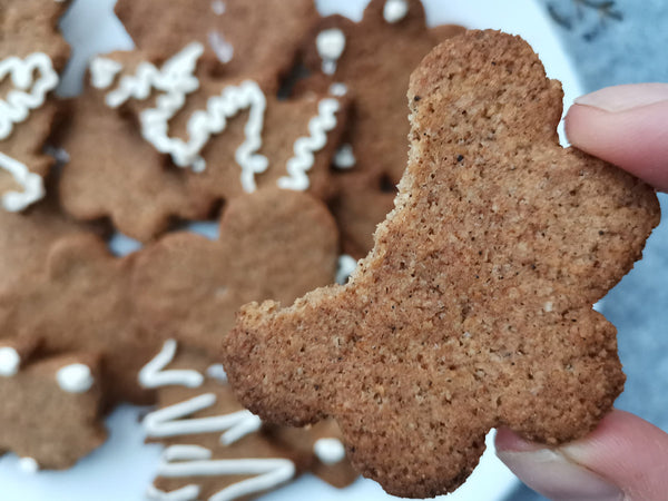 Beauty boosting recipe: Gingerbread Cookies - Keto Friendly