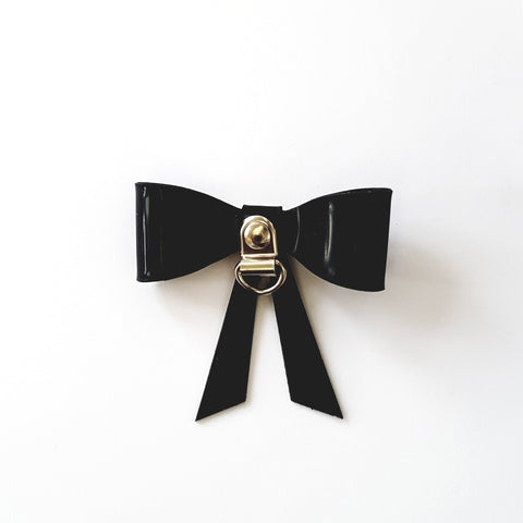 Jack D-Ring Bow Brooch