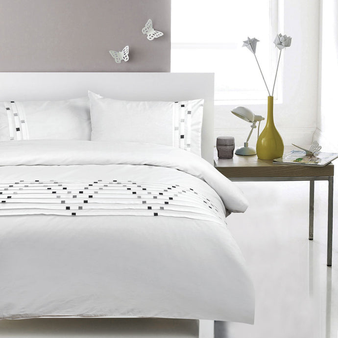 100% Cotton Embroidered Duvet Covet Set - Phantom Zag - CQ Linen Quality Bedding
