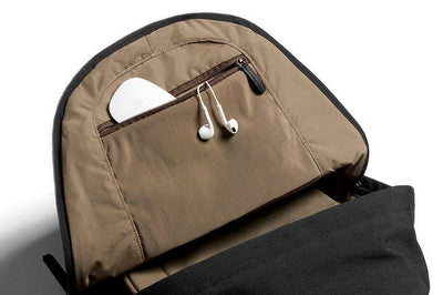 Bellroy Classic Backpack - Black under topplokket