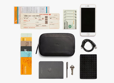 Bellroy All Conditions Essentials Pocket Black reiselommebok innhold