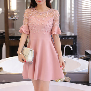 Round Neck  Decorative Lace Flounce  Tiered  Plain Skater Dress