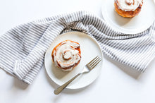 Load image into Gallery viewer, 4 pack Cinnamon Rolls