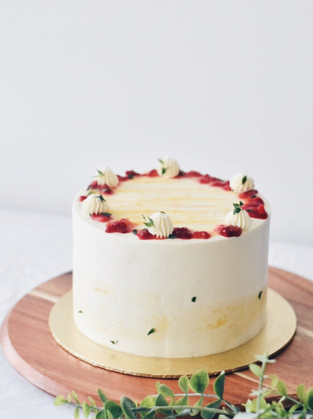 Strawberry Lemon Cake | Zee & Elle