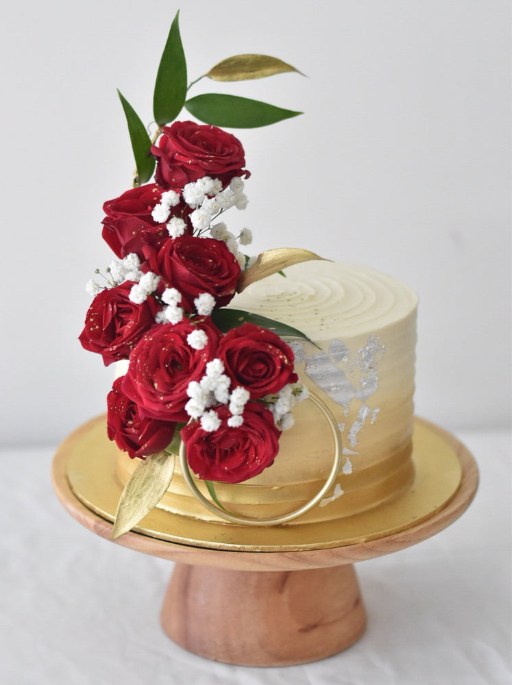 Royal Gold & Rose Cake