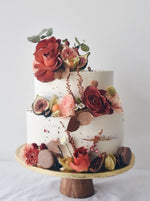 Autumn Roses Cake with shades of red - zeeandelle